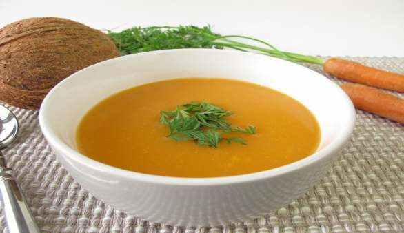 Möhren Ingwer Suppe mit Kokosmilch