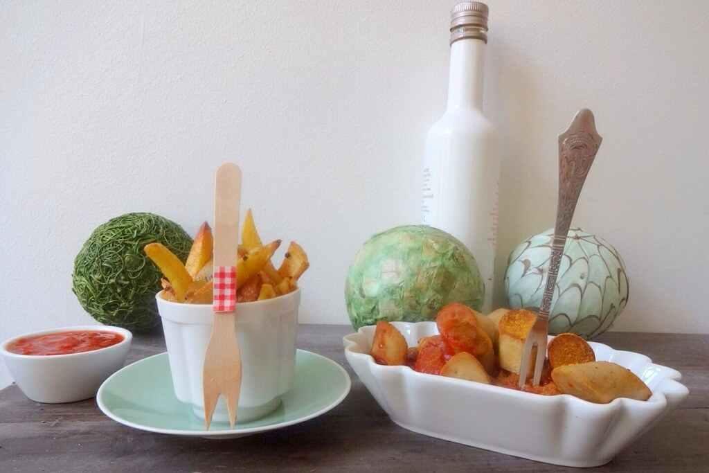Vegane Currywurst mit Rosmarin-Pommes